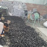 黑色鹅卵石多少钱一吨_3-5公分黑色卵石多少钱一方_渝荣顺生产!