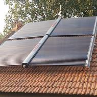 农村的房子太阳能取暖