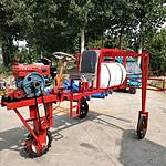 工厂直销小麦玉米三轮乘坐式折叠喷杆式打药机
