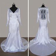 V领长袖婚纱后背透明蕾丝新娘