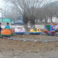 郑州儿童小火车游乐设施图片价格厂家