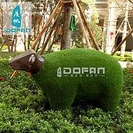 度帆户外草披羊雕塑 玻璃钢雕塑 动物摆件