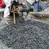 黑色鹅卵石_1-1.5公分重庆黑色鹅卵石_到渝荣顺厂家批发!