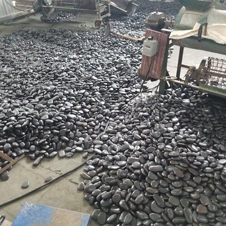 黑色鹅卵石4