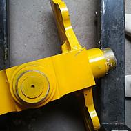山推厂家生产压路机十字铰接SR22装机转向铰接总成