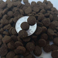 山东帅克黑猫粮代工高蛋白高比例鲜肉猫粮生产厂家黑猫粮代工贴牌