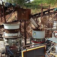 建筑垃圾破碎机生产视频 移动式反击破工作原理