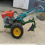 小型四驱微耕机 12马力手扶拖拉机旋耕机