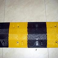 公路铸钢减速带