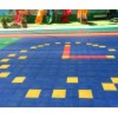 户县新闻:操场组合拼装地板设备价格【可发货】