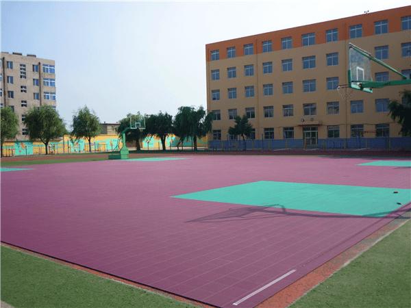 新闻:宏伟儿童拼装式地板使用方法