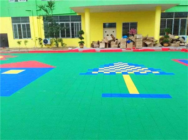 新闻:双鸭山市拼装运动地板款式齐全