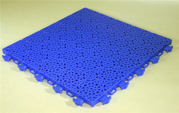 新闻:炎陵县软质悬浮式拼接地板安装流程