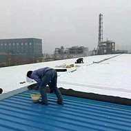 广东销售屋面防水隔热材料 钢结构彩钢瓦屋面屋顶防水补漏材料 金属屋面防水防腐卷材隔热